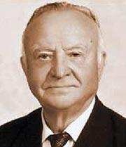 Казначеев Владимир Петрович 1928 г.р. Родился в деревне Соловьяновка Брянской обл., Россия. В Херсоне с 1946 г.